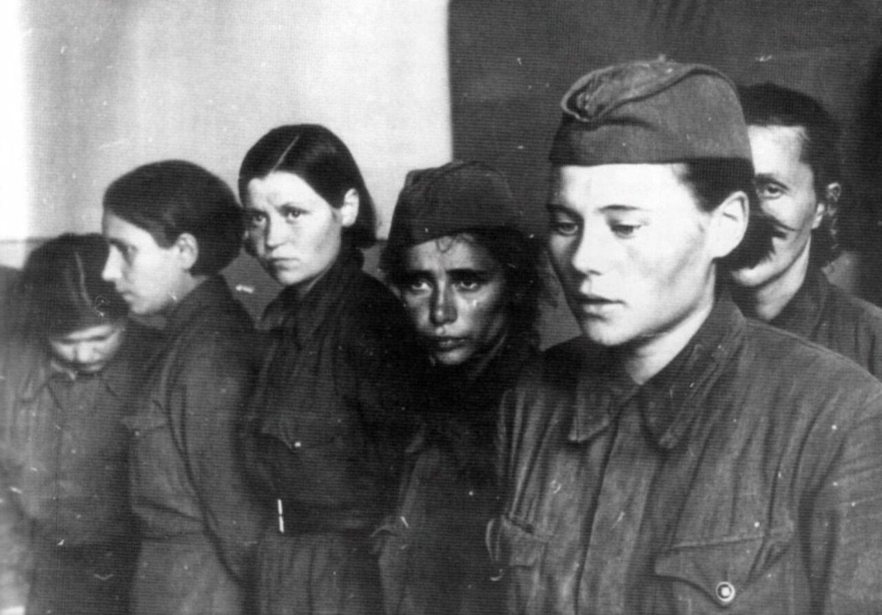 русские девушки в плену