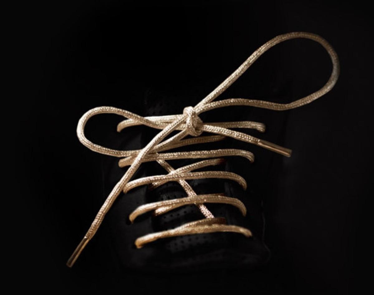 Золотые шнурки от Mr. Kennedy