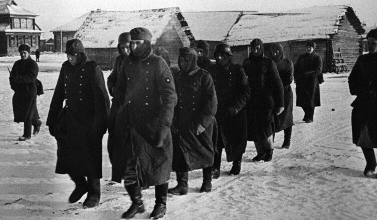 Откуда немцы брали теплые вещи во время войны