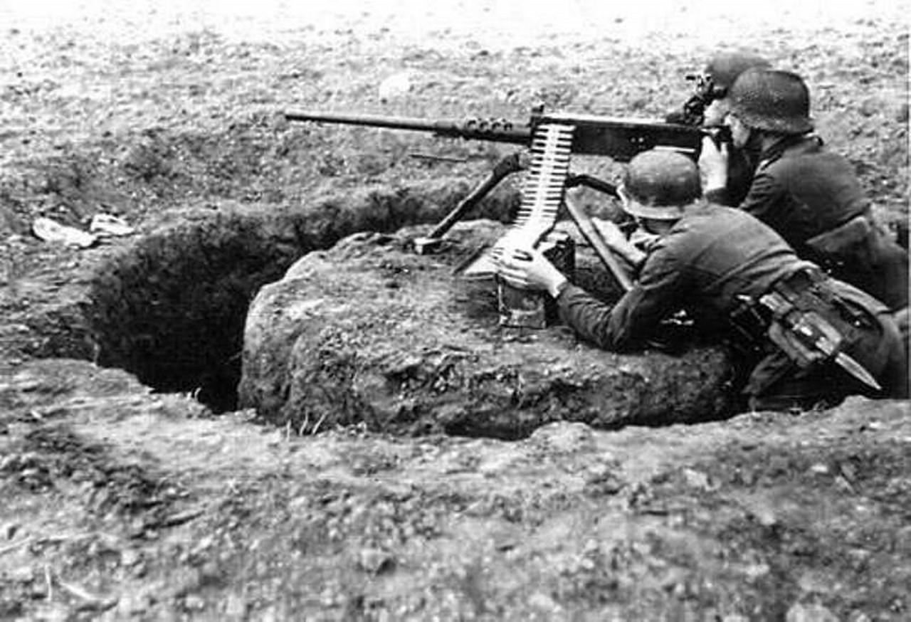вражеское пулеметное гнездо