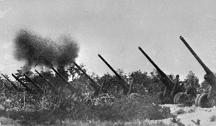 подавлены огнем нашей артиллерии и минометов