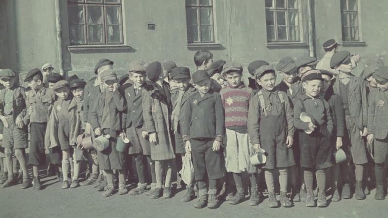 ь школьники в оккупированной Польше