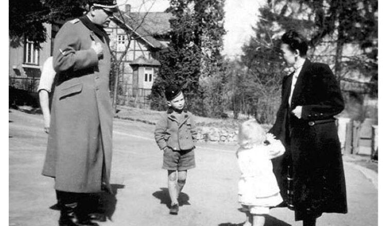 В отношении других детей Гиммлер приказал представить ему заключения о расовых качествах с приложенными фотографиями и отчеты о том впечатлении, какое производил каждый в отдельности ребенок или мать. Ломка индивидуальности ребенка начиналась сразу же в пересыльном лагере