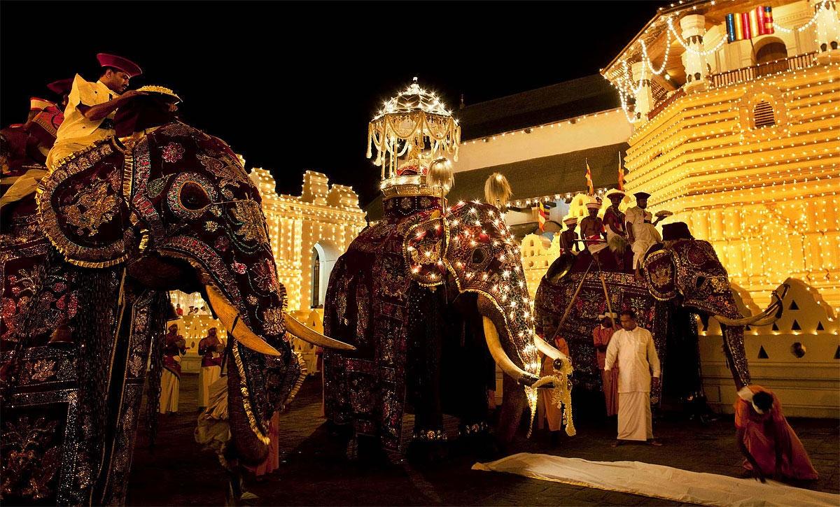 Шри-Ланка, Канди эсала Перахера