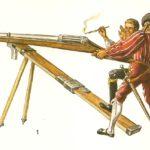 Почему после изобретения огнестрельного оружия продолжали пользоваться холодным