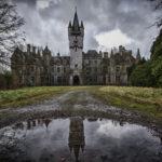 10 заброшенных зданий с мрачной историей