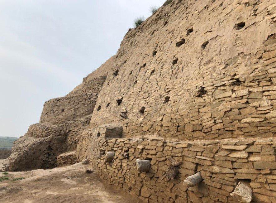 Руины пирамиды Симао
