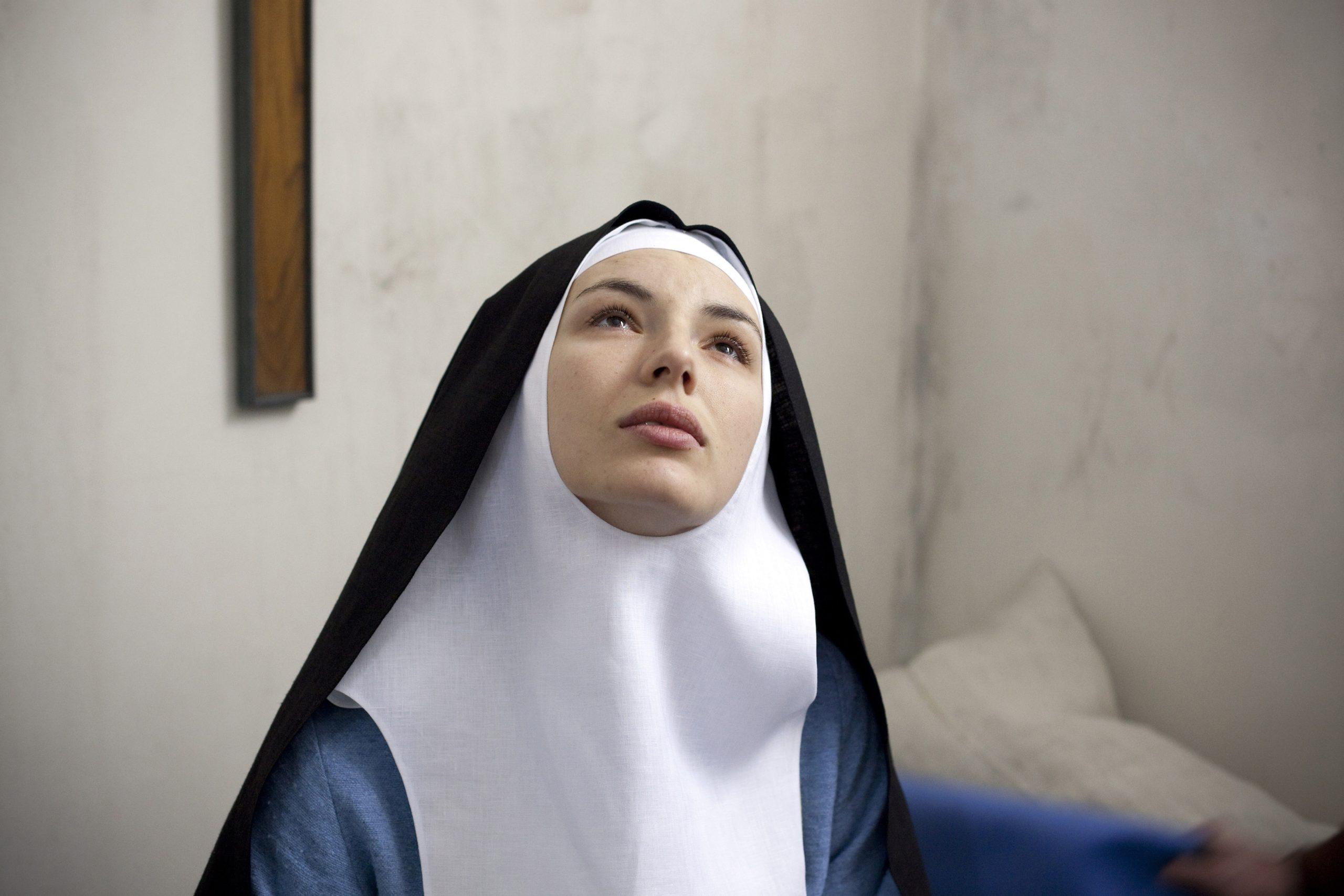 необычных историй о монахинях