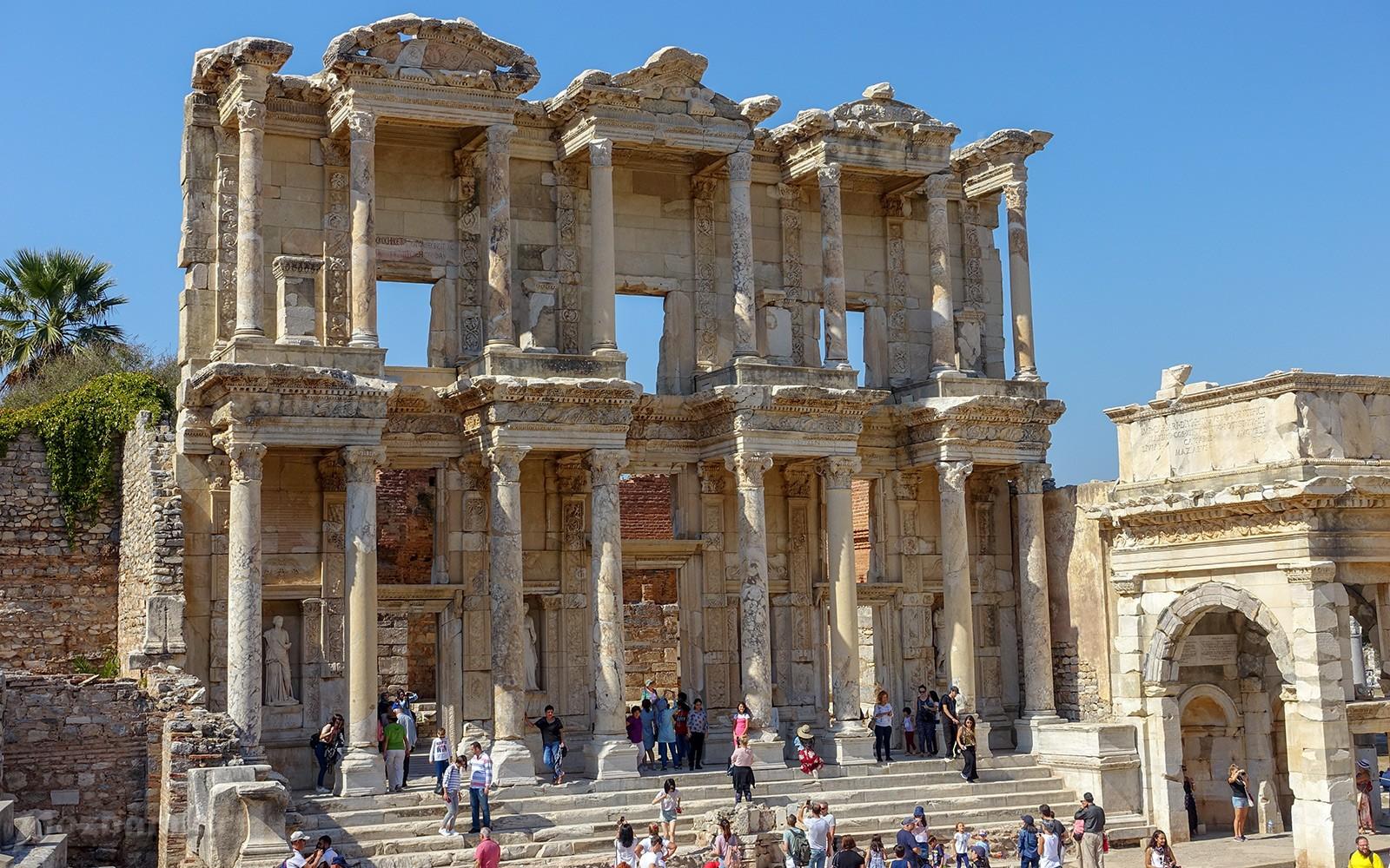 Библиотека Цельса, Турция