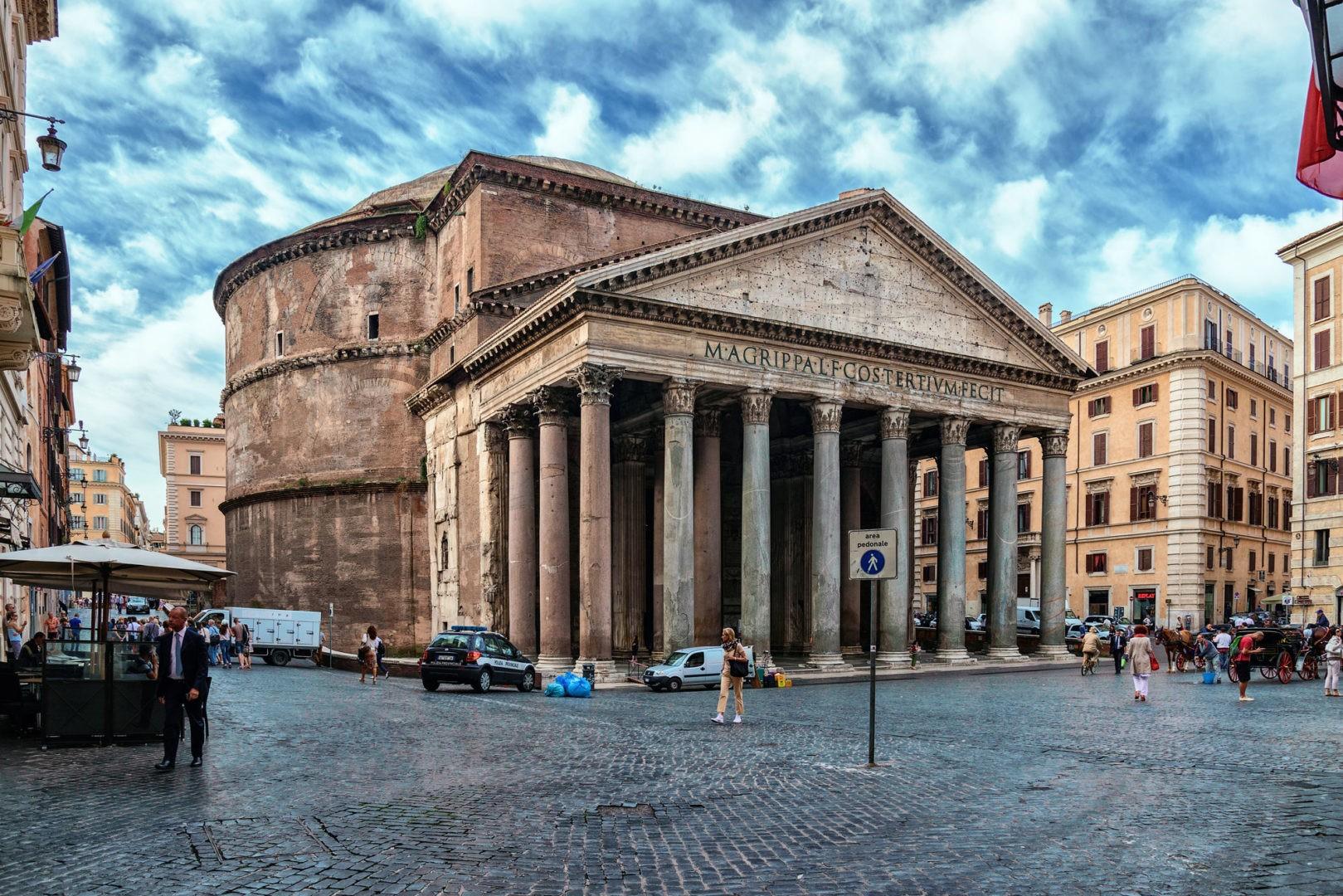 Пантеон, Италия