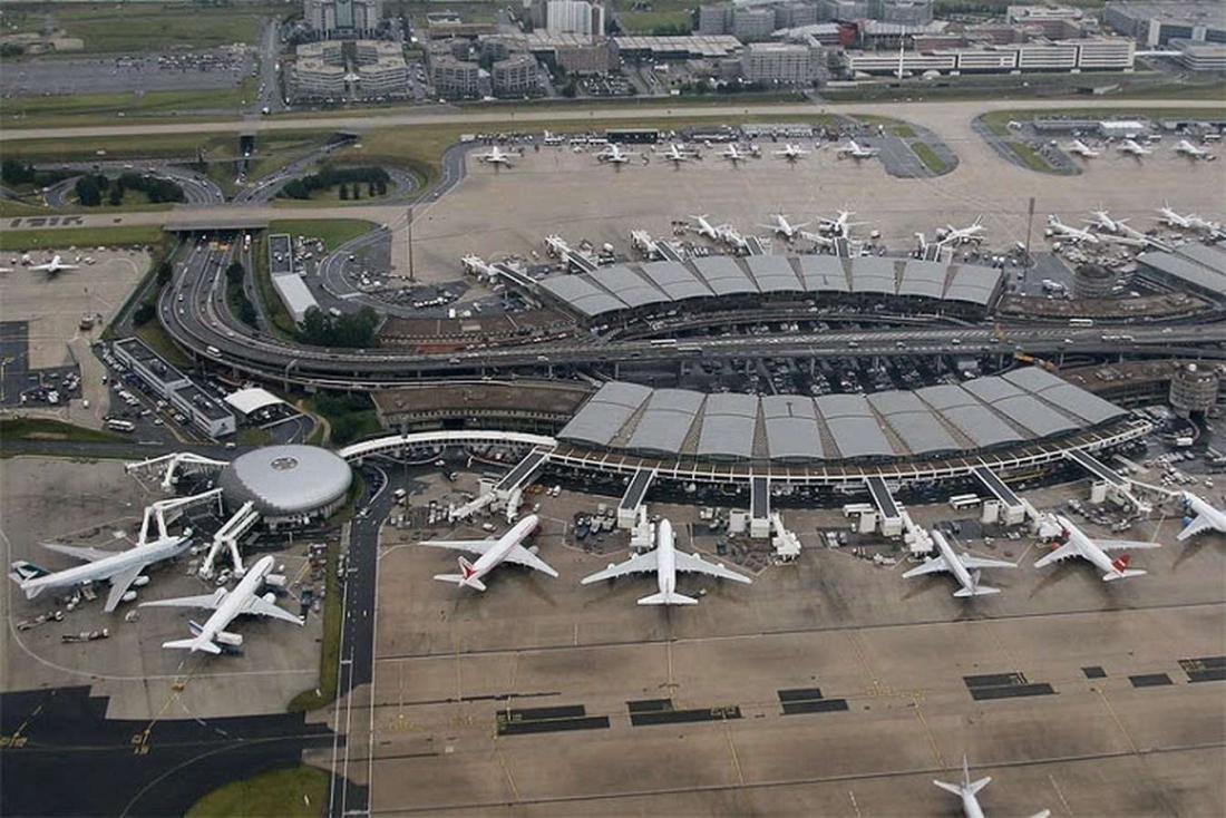 Франция, аэропорт Шарля де Голя