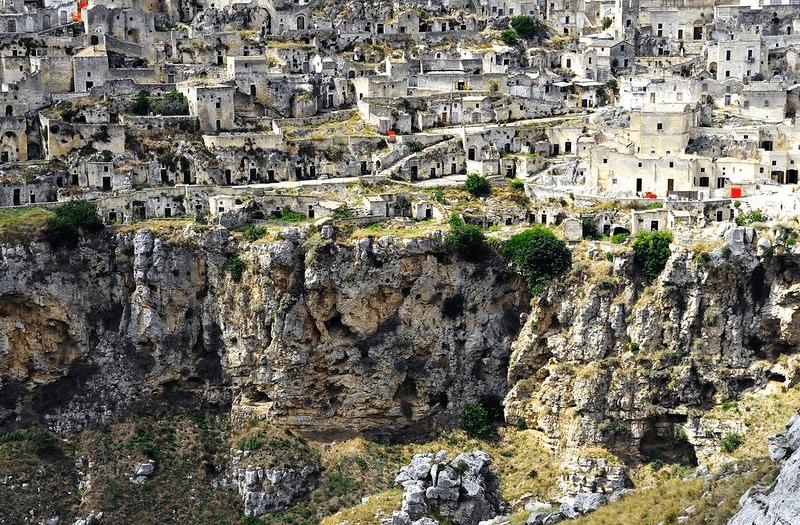 Пещеры Сасси-ди-Матеры, Италия