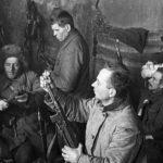 Одной из форм всенародной борьбы советских людей в тылу фашистских оккупантов было подполье